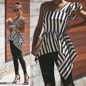 Black and white VICI top